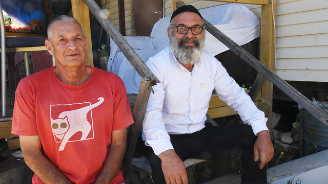 Avraham Sinai et son ancien chef des FDI, Tzahi Bareket (Photo: Aviahu Shapira) (Photo: Avihu Shapira)