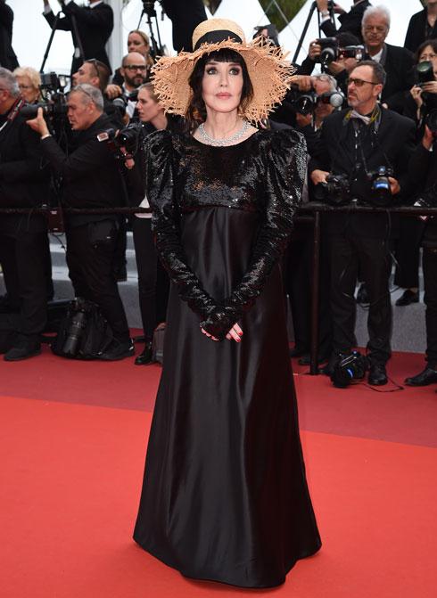 איזבל אדג'ני לובשת אלכסנדר ווטייה  (צילום: Pascal Le Segretain/GettyimagesIL)