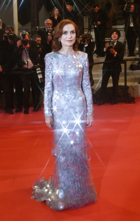 איזבל הופר לובשת ארמאני פריווה  (צילום: Gareth Cattermole/GettyimagesIL)
