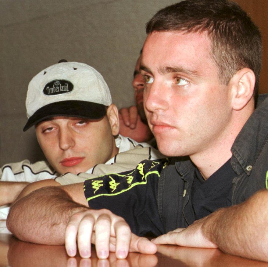 """יולי 2000 : עם שותפו לרצח בן־איבגי. """"לא התראינו 15 שנה""""   צילום: זום 77"""