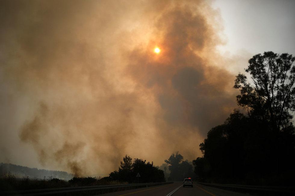 שריפה בבן שמן  (צילום: AP)