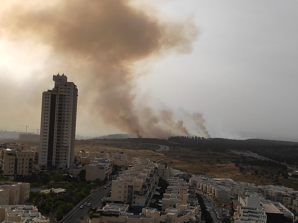 שריפה במבוא מודיעין (צילום: חגי ראובני )