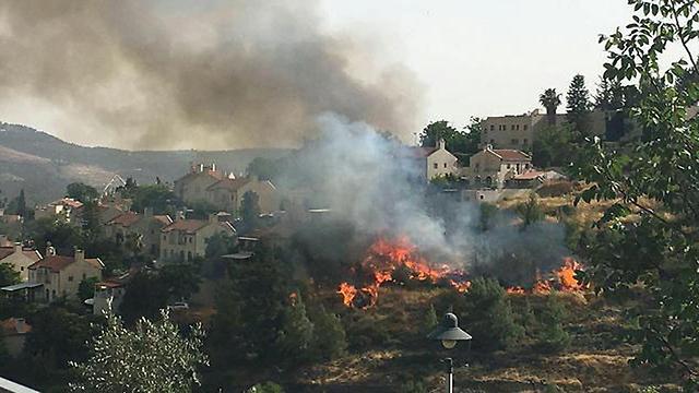 הבית של פרופ' יורם יובל מבשרת ציון שריפה ()