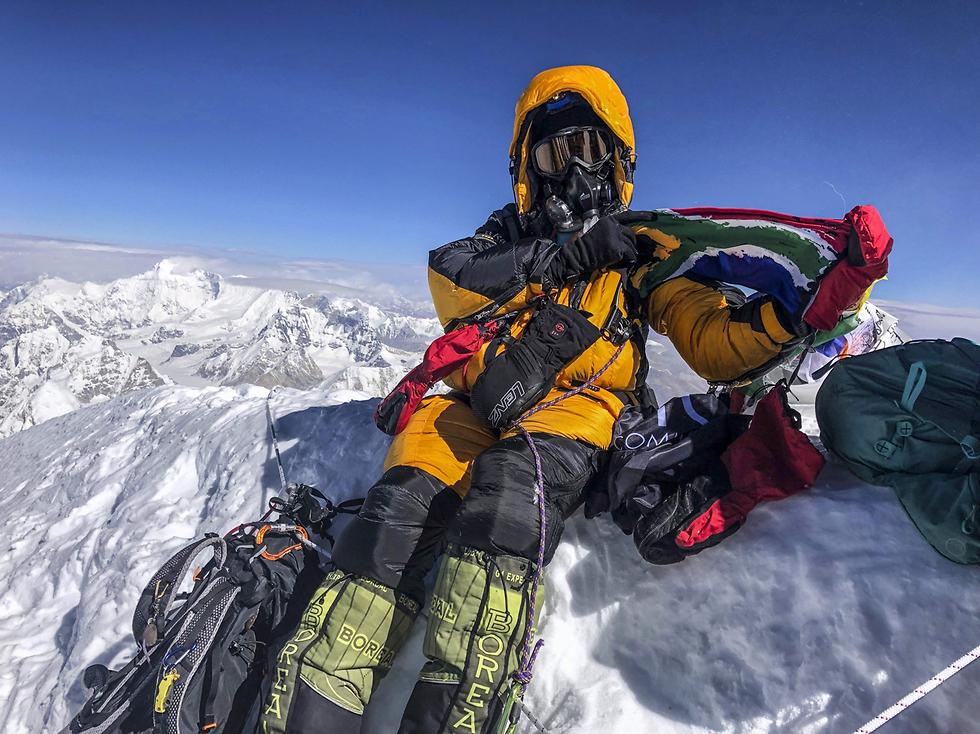 אוורסט נפאל סראי קהומלו אפריקנית שחורה ראשונה על הפסגה (צילום: AFP, SUMMITS WITH A PURPOSE)