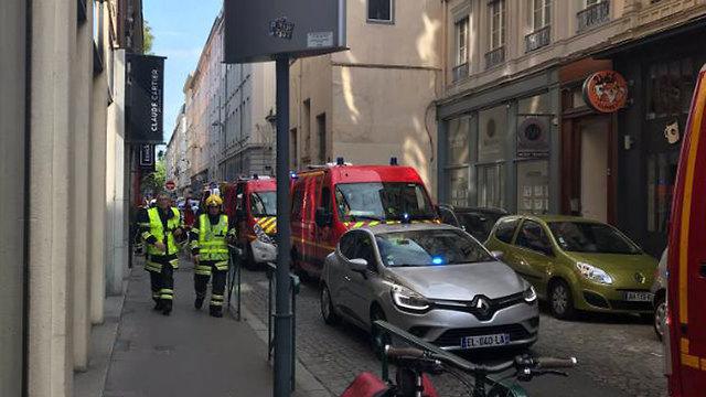 צרפת: 10 פצועים בפיצוץ בעיר ליון ()