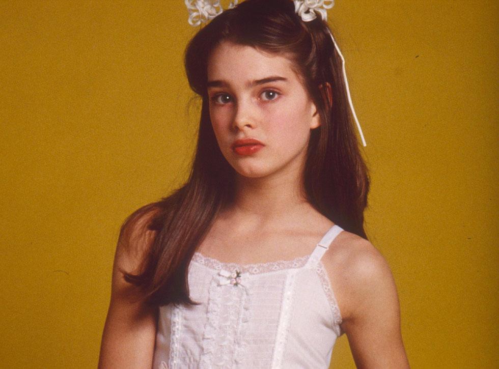 """ב-1978, בהיותה בת 12 בלבד, היא כיכבה בסרטו של לואי מאל """"ילדה יפה"""", שכלל גם סצנת עירום שנויה מאוד במחלוקת ועורר דיון על גבולות ועל פורנוגרפיית ילדים (צילום: rex/asap creative)"""