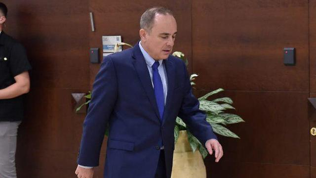 יובל שטייניץ בכניסה ללשכת ראש הממשלה (צילום: יואב דודקביץ')