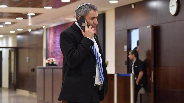 זאב אלקין בכניסה ללשכת ראש הממשלה (צילום: יואב דודקביץ')