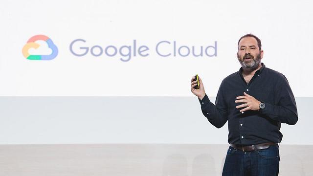 אדם סיגלמן בכנס גוגל קלאוד בתל אביב (צילום: תומר פולטין)