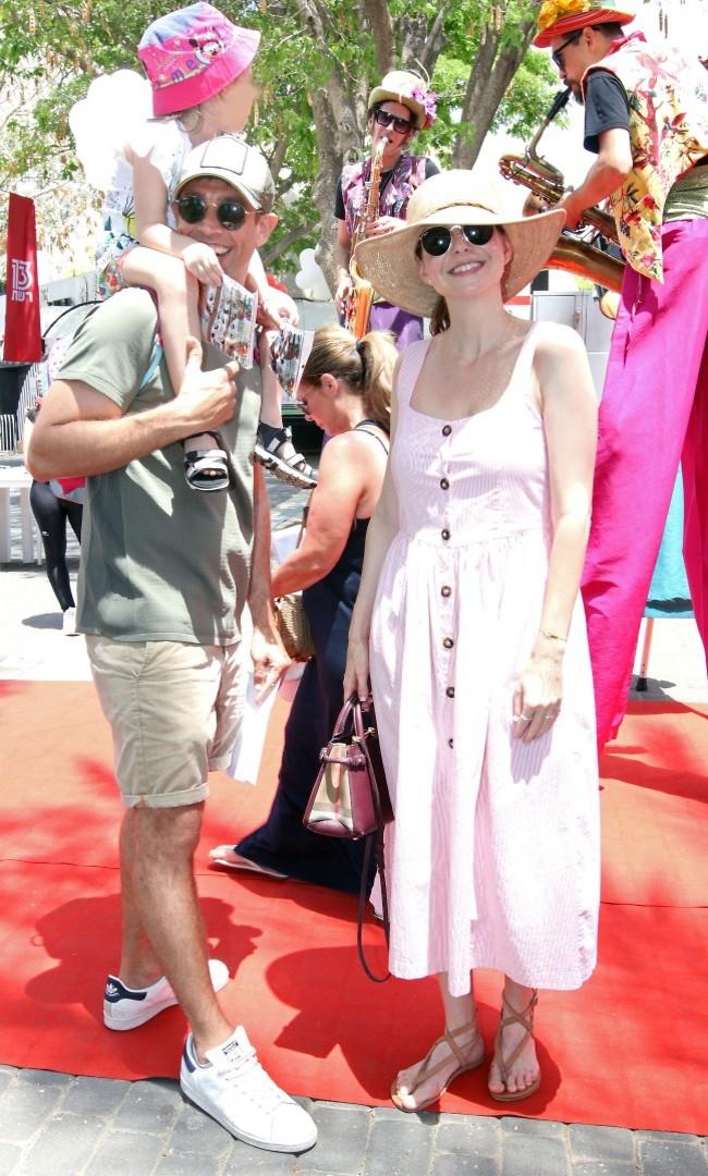 משפחה יפה. לירון ויצמן, אורי והבת קרני (צילום: ענת מוסברג)