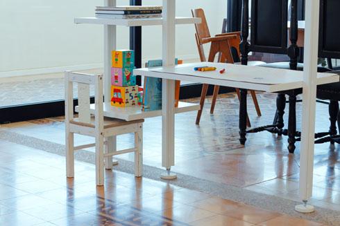שולב בה גם שולחן יצירה לקטנה (צילום: נור עבדלגני)