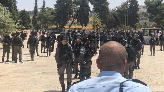Présence généralisée de la police sur le mont du Temple le jour de la fête de Jérusalem (Photo: police israélienne)
