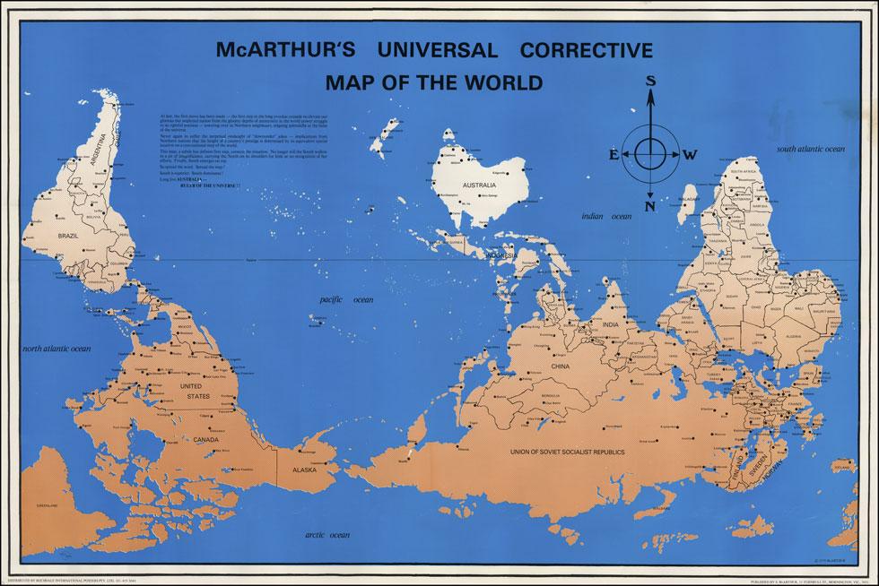 מתוך תערוכת ''אוריאנטציה'', שבוחנת את ייצוג המזרח דרך מפות העולם. כאן למעלה ''מפת העולם המתוקנת'', שיצר סטיוארט מקארתור האוסטרלי ב-1979. הוא הציב את אוסטרליה במרכז, אחרי שנמאס לו לשמוע מחבריו הבריטים והאמריקאים שהיא ''בצד ההפוך של העולם'' (צילום: מפה סטיוארט מקארתור)