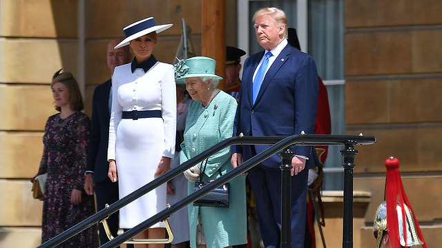 US President Donald Trump and First Lady Melania Trump are welcomed by Queen Elizabeth II (C) at Buckingham Palace  (Photo: Reuters)