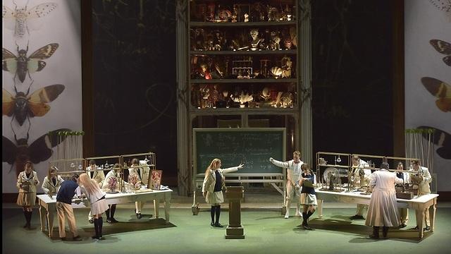 כך עושות כולן אופרה (צילום: יוסי צבקר)