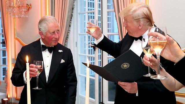 דונלד טראמפ עם הנסיך צ'רלס ביקור ב בריטניה (צילום: gettyimages)
