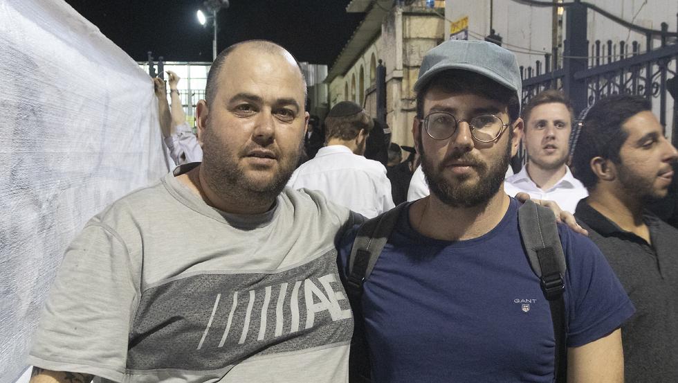 ירמי שיק בלום, לירן חולצה אפורה (צלם: גיל נחושתן)