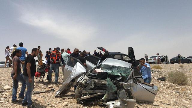 Un grave accident de la route dans l'Arava (Photo: Nadav Ayalon Kv