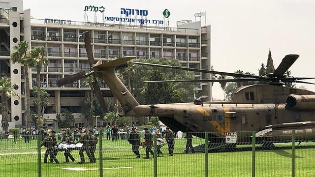 Evacuer les blessés de l'accident de la route près de Paran dans mon hélicoptère Heart