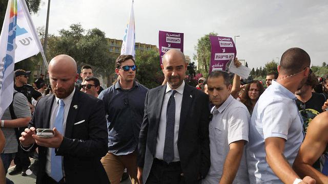 אמיר אוחנה מצעד הגאווה (צילום: אוהד צויגנברג)