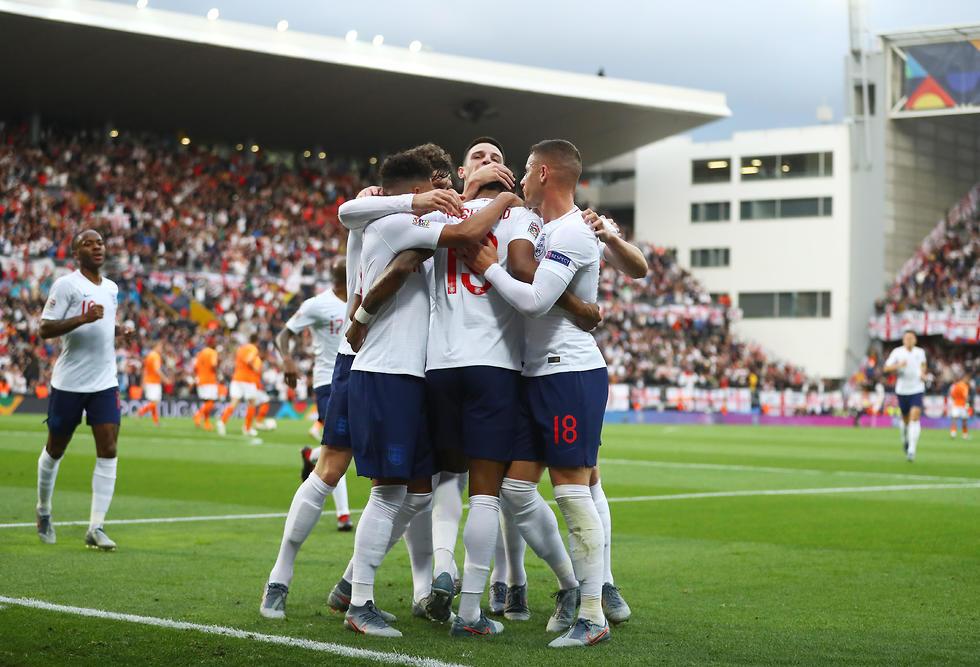 שחקני נבחרת אנגליה אחרי הפנדל של רשפורד (צילום: getty images)
