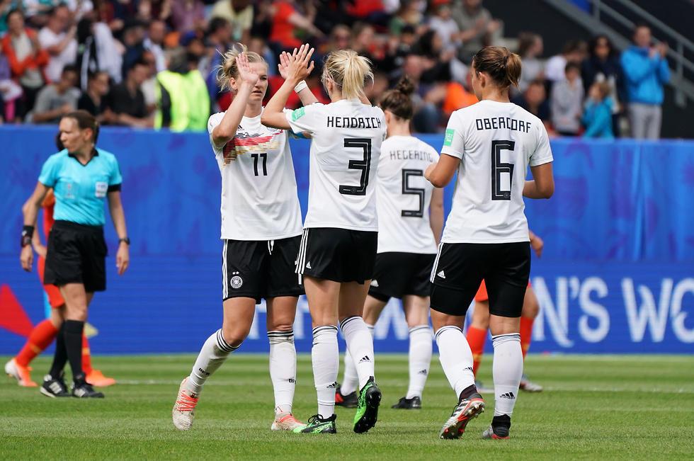 גיוליה גווין נבחרת גרמניה (צילום: EPA)