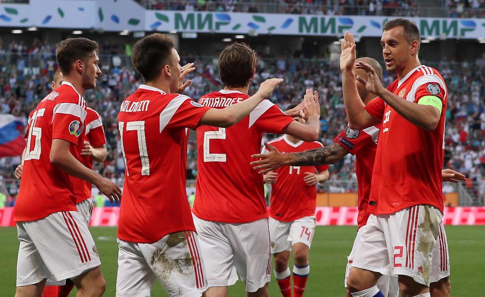 שחקני נבחרת רוסיה (צילום: רויטרס)