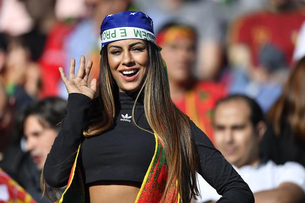 אוהדת נבחרת פורטוגל (צילום: AP)