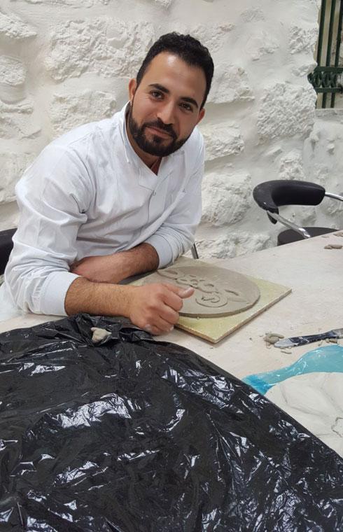 מוחמד מהלווס. בנו של צייר, בוגר לימודי אמנות באוניברסיטת אל-קודס (צילום: Muhamad Mahalwas)