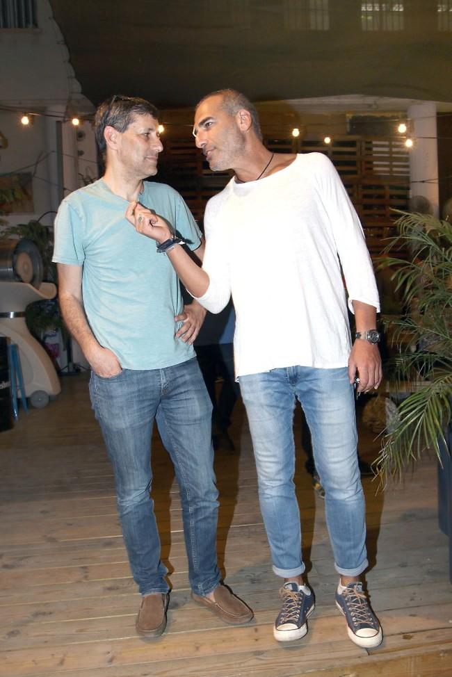 גבריים. אלי אילדיס ויואב לימור (צילום: ענת מוסברג)