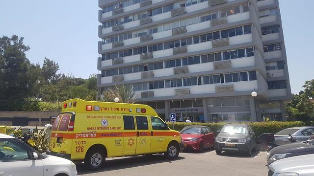 הבניין ממנו נפעל פועל בניין בחיפה ונהרג (צילום: דוברות מד