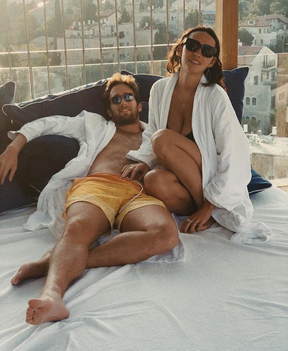 גיא ברנע והחברה קורי קמיל (צילום: ניר ברנע)