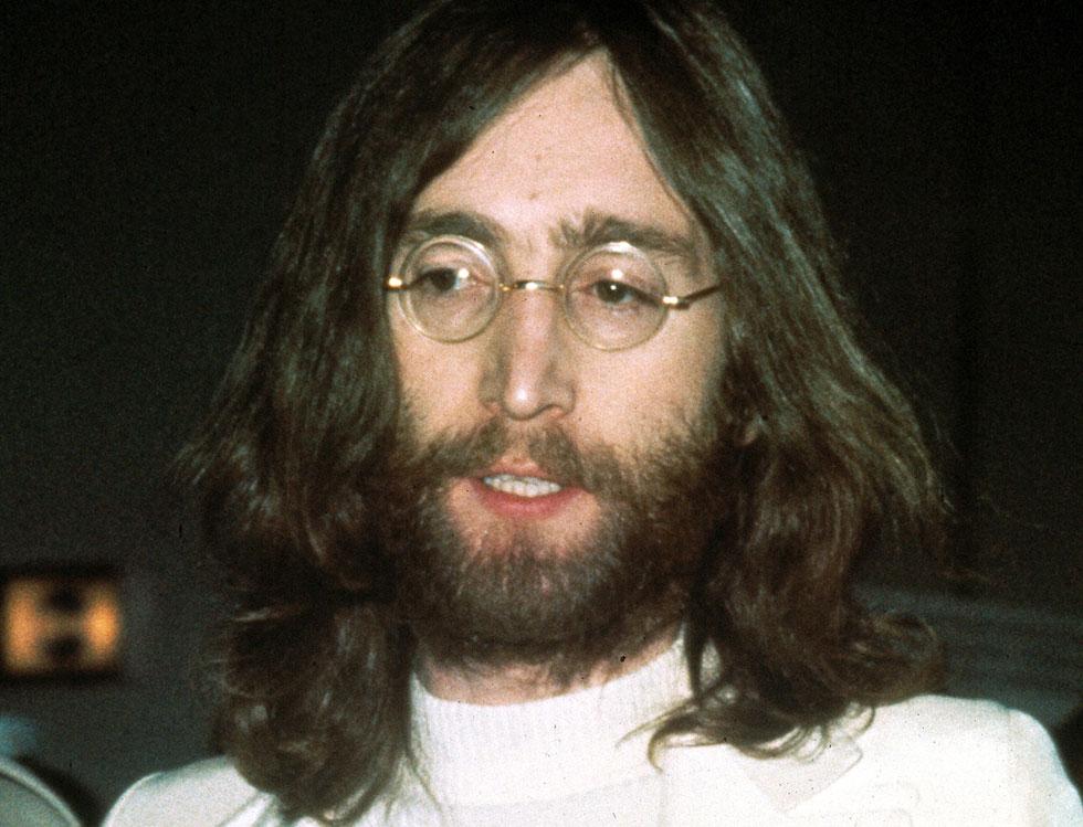 """ג'ון לנון. """"בחייך, זה רק עוד שיר רוק"""" (צילום: AP)"""