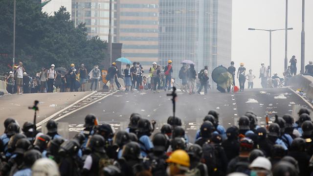 הפגנות הפגנה עימותים מחאה הונג קונג נגד חוק ההסגרה הסגרה ל סין (צילום: רויטרס)