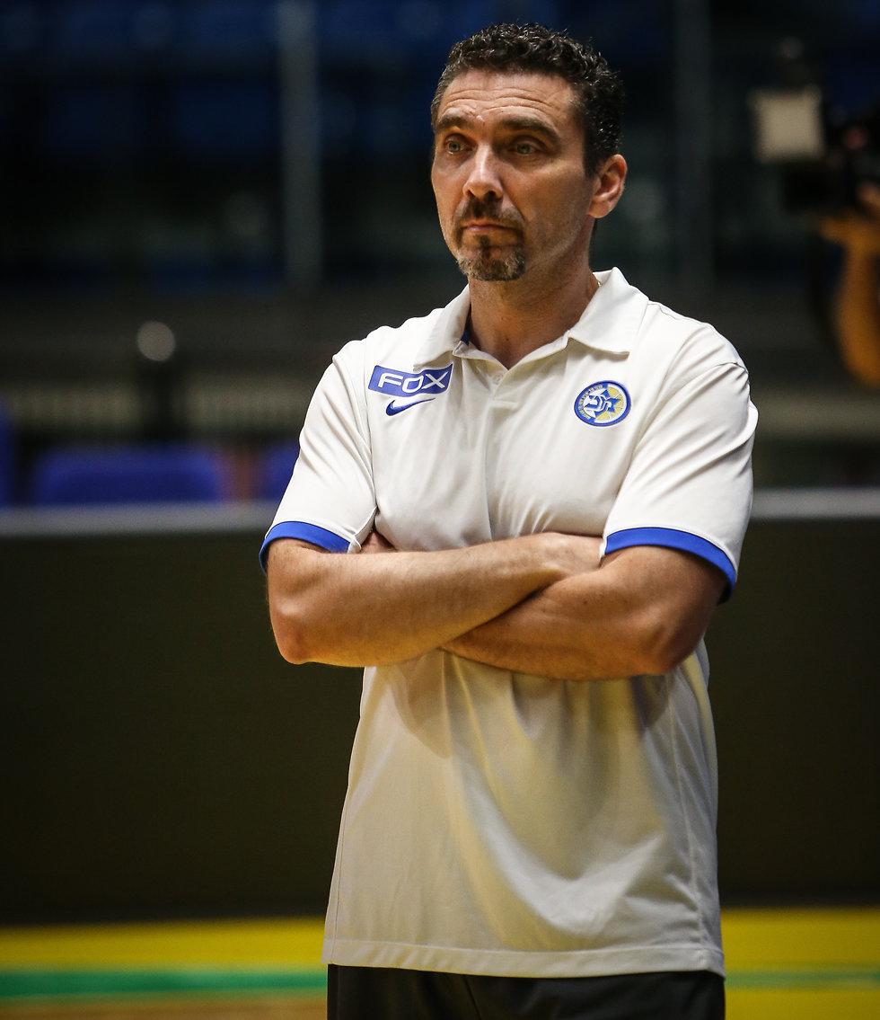 ואסיליס יראגוטליס באימון (צילום: עוז מועלם)