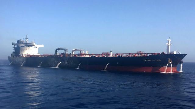 Oil Tanker in the Gult of Oman (Photo: EPA)