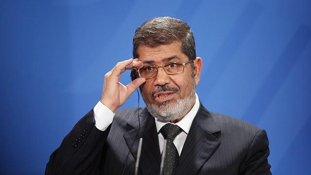 נשיא מצרים המודח מוחמד מורסי מת בבית המשפט 2013 (צילום: gettyimages)