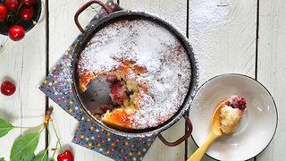 עוגת דובדבנים רומנית (צילום: אפרת מוסקוביץ)