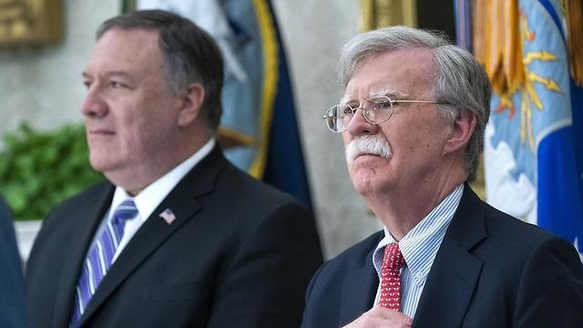מזכיר המדינה מייק פומפאו היועץ לביטחון לאומי ג'ון בולטון הבית הלבן לאחר ש איראן הפילה מל