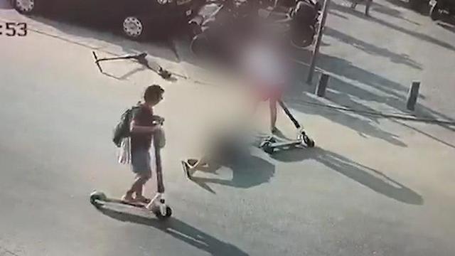 רגע  התאונה בכיכר השעון ביפו ()