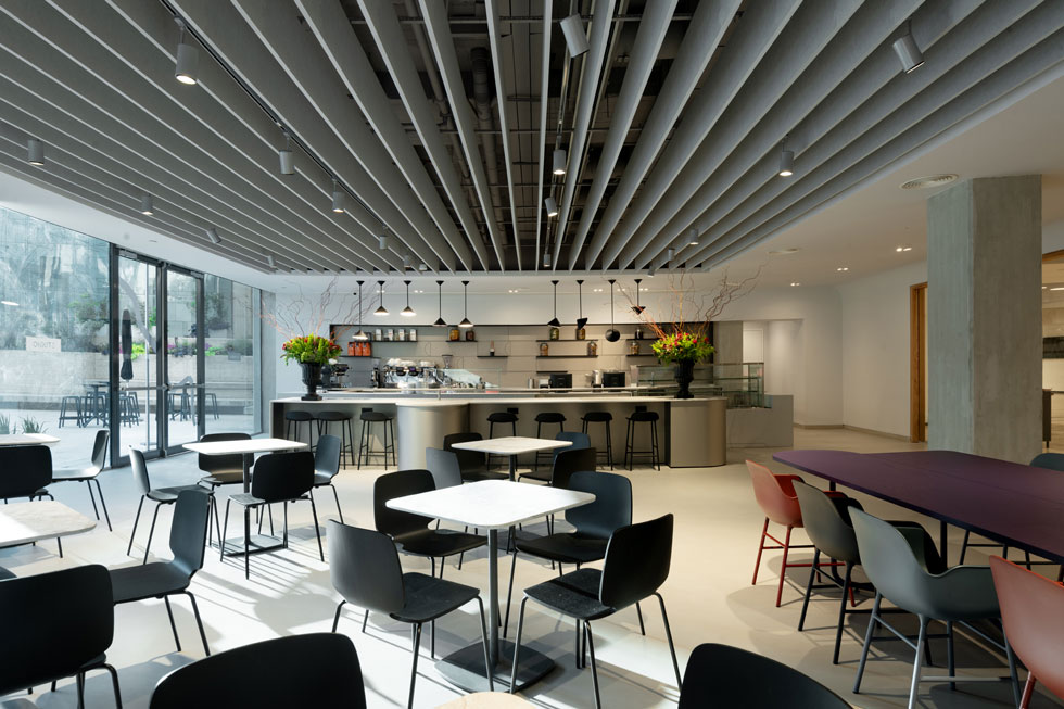את חנות הקפה מפעיל הזכיין של מסעדת ''פסטל'' באגף החדש של המוזיאון. הקהל הדתי לא יוכל ליהנות ממנה (צילום: גדעון לוין)