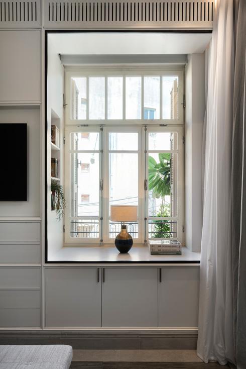 גומחת החלון בחדר השינה (צילום: עודד סמדר)
