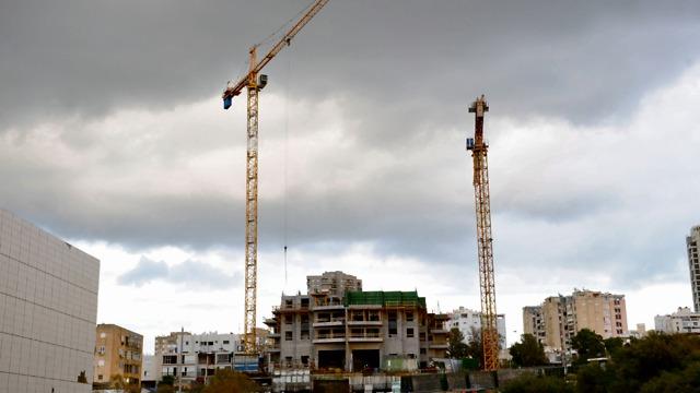 אתר בנייה אשדוד (צילום: ישראל יוסף)