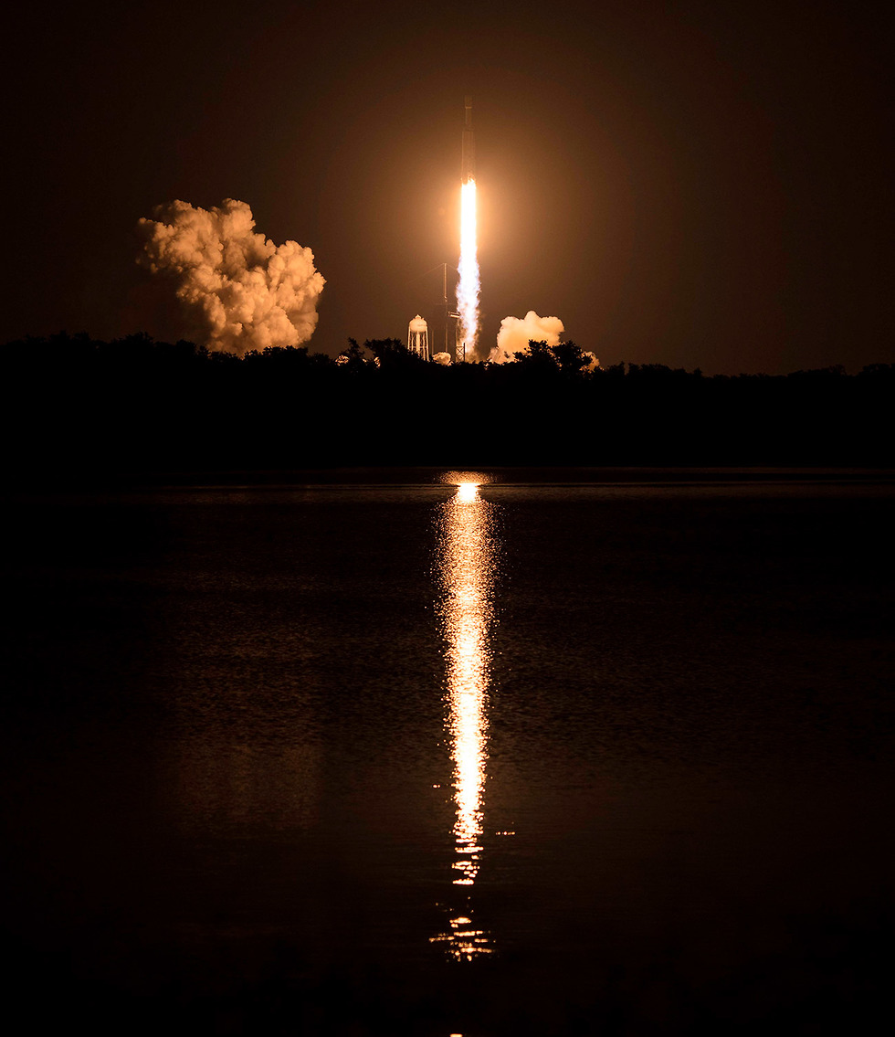 שיגור ספייס איקס SpaceX פלקון כבד (צילום: AFP)