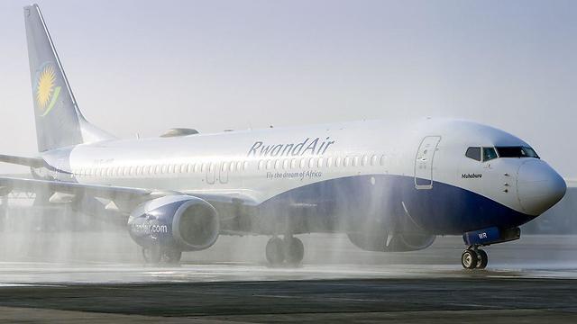 Самолет RwandAir в Бен-Гурионе. Фото: Идо Вехтель