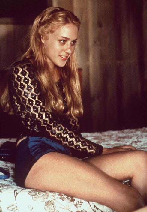 גלשה למעמדה בקלות בתחילת שנות ה-90, בענף אופנה שהיה צמא לנוכחות נשית נונשלנטית ונגישה. סוויני, 1998 (צילום: Hulton Archive/GettyimagesIL)