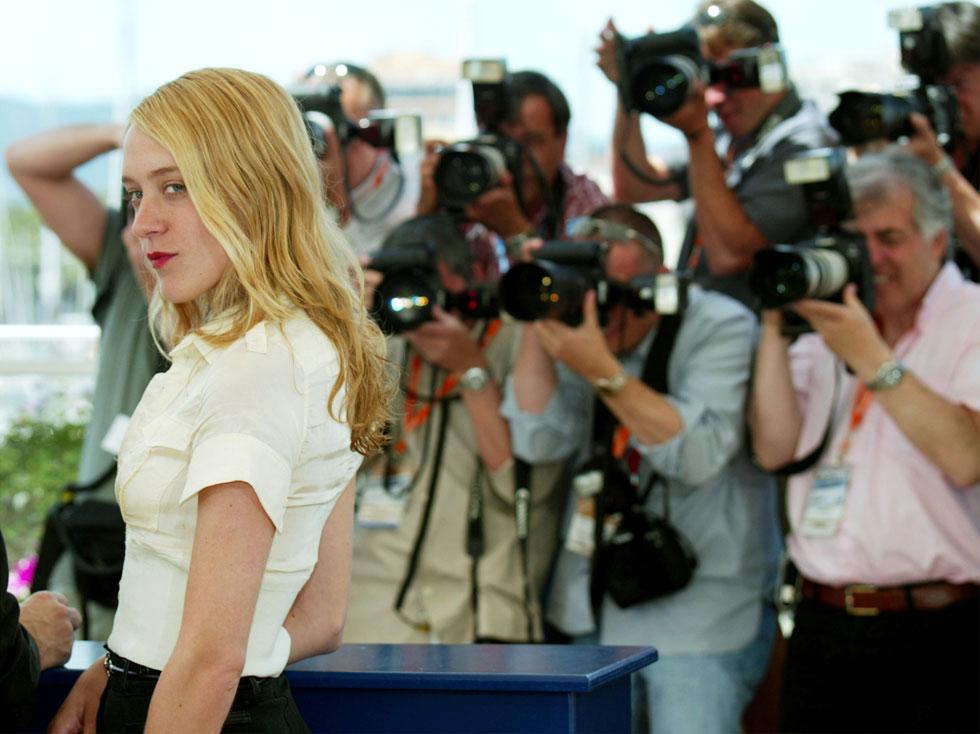 מעמדה כאייקון אופנה נותר איתן לאורך שנים. 2003 (צילום: Evan Agostini/GettyimagesIL)