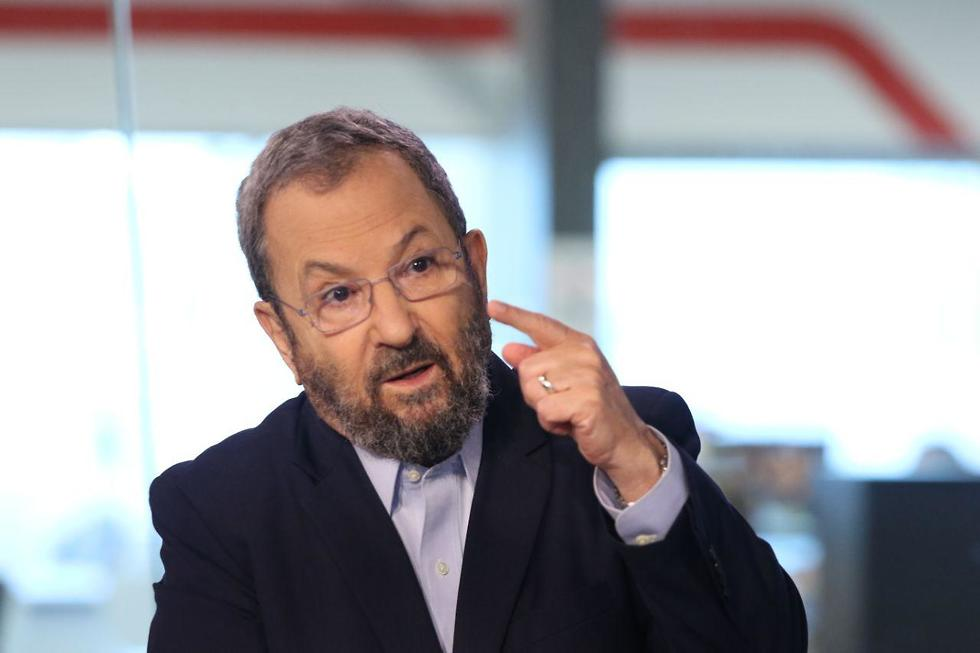 אהוד ברק בראיון לאולפן (צילום: אבי מועלם)