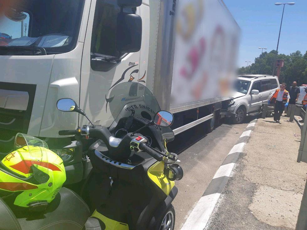 На месте аварии на перекрестке Савьон. Фото: оперативная съемка МАДА