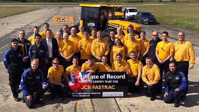 JCB הטרקטור המהיר בעולם ()